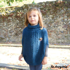 Modèle poncho fille à tricoter facile | La Droguerie